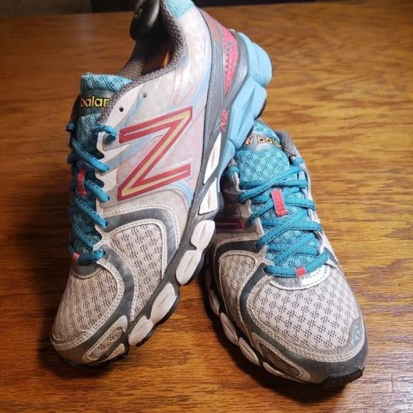 V3 N2 Womens Fantom Fit Running Shoe